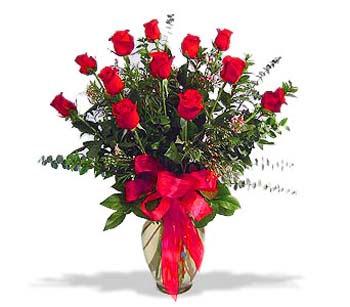 çiçek siparisi 11 adet kirmizi gül cam vazo  İstanbul Kadıköy online çiçek gönderme sipariş
