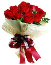 Görsel 12 adet kırmızı gül buketi  İstanbul Kadıköy online çiçek gönderme sipariş