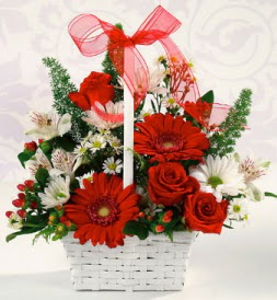 Karışık rengarenk mevsim çiçek sepeti  İstanbul Kadıköy internetten çiçek siparişi