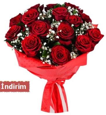 12 Adet kırmızı aşk gülleri  İstanbul Kadıköy çiçek satışı