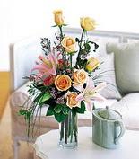İstanbul Kadıköy internetten çiçek siparişi  7 gül kazablanka cam yada mika vazo tanzim