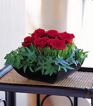İstanbul Kadıköy çiçek siparişi sitesi  10 adet kare mika yada cam vazoda gül tanzim