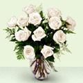 İstanbul Kadıköy anneler günü çiçek yolla  beyaz güller cam yada mika vazo