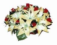 yapay karisik çiçek sepeti   İstanbul Kadıköy internetten çiçek siparişi