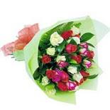 12 adet renkli gül buketi   İstanbul Kadıköy çiçek gönderme sitemiz güvenlidir