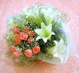 İstanbul Kadıköy çiçek yolla  lilyum ve 7 adet gül buket