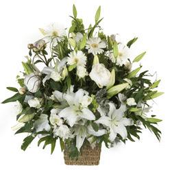 sepet içerisinde karisik mevsim çiçekleri  İstanbul Kadıköy çiçek siparişi vermek