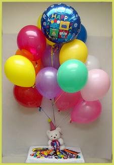 İstanbul Kadıköy çiçekçi mağazası  Sevdiklerinize 17 adet uçan balon demeti yollayin.