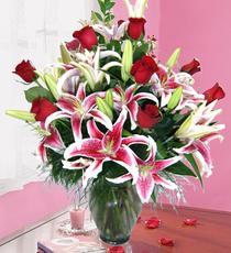 İstanbul Kadıköy İnternetten çiçek siparişi  harika vazo tanzimi gül - kazab