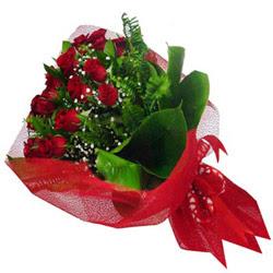 İstanbul Kadıköy kaliteli taze ve ucuz çiçekler  12 adet kirmizi essiz gül buketi - SEVENE ÖZEL
