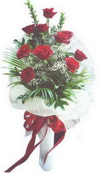 İstanbul Kadıköy hediye çiçek yolla  10 adet kirmizi gülden buket tanzimi özel anlara