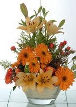 İstanbul Kadıköy çiçek servisi , çiçekçi adresleri  cam yada mika vazo içinde karisik mevsim çiçekleri