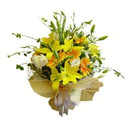 İstanbul Kadıköy çiçek gönderme sitemiz güvenlidir  2 dal kazablanka ve kir çiçekleri