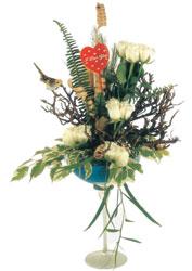 İstanbul Kadıköy çiçek gönderme sitemiz güvenlidir  kadeh içerisinde görsel gül tanzimi