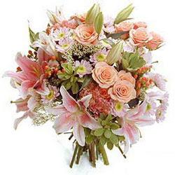 İstanbul Kadıköy çiçek gönderme sitemiz güvenlidir  Karisik kir çiçeklerinden görsel demet