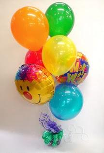 İstanbul Kadıköy İnternetten çiçek siparişi  17 adet uçan balon ve küçük kutuda çikolata