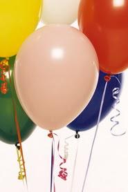 İstanbul Kadıköy hediye çiçek yolla  19 adet renklis latex uçan balon buketi