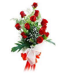 11 adet kirmizi güllerden görsel sölen buket  İstanbul Kadıköy çiçek siparişi vermek