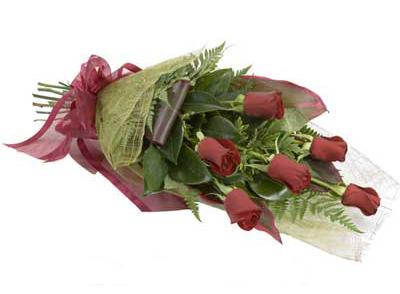 ucuz çiçek siparisi 6 adet kirmizi gül buket  İstanbul Kadıköy çiçek siparişi sitesi