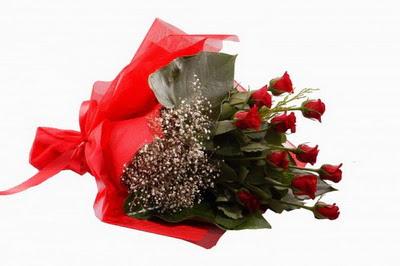 İstanbul Kadıköy çiçek siparişi sitesi  11 adet kirmizi gül buketi çiçekçi