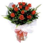 İstanbul Kadıköy çiçek , çiçekçi , çiçekçilik  9 adet güzel bir gül buketi