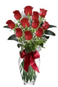 11 adet kirmizi gül vazo mika vazo içinde  İstanbul Kadıköy 14 şubat sevgililer günü çiçek