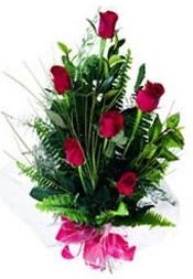 İstanbul Kadıköy güvenli kaliteli hızlı çiçek  5 adet kirmizi gül buketi hediye ürünü