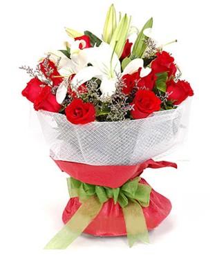 İstanbul Kadıköy hediye çiçek yolla  1 dal kazablanka 11 adet kırmızı gül buketi