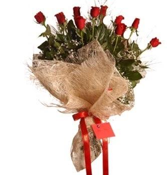 İstanbul Kadıköy çiçek servisi , çiçekçi adresleri  10 adet kırmızı gülden görsel buket