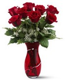 8 adet kırmızı gül sevgilime hediye  İstanbul Kadıköy İnternetten çiçek siparişi