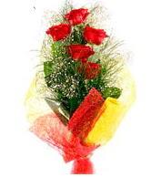 5 li kırmızı gül buketi  İstanbul Kadıköy internetten çiçek satışı