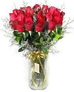 27 adet vazo içerisinde kırmızı gül  İstanbul Kadıköy İnternetten çiçek siparişi