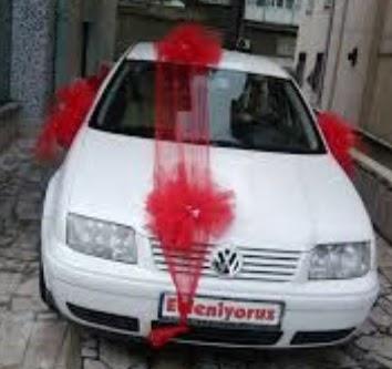 İstanbul Kadıköy ucuz çiçek gönder  çiçeksiz gelin arabası süslemesi