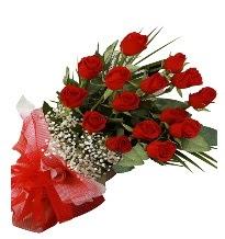 15 kırmızı gül buketi sevgiliye özel  İstanbul Kadıköy çiçek gönderme sitemiz güvenlidir