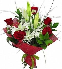 1 dal kazablanka 5 kırmızı gül buketi  İstanbul Kadıköy kaliteli taze ve ucuz çiçekler