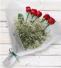 5 kırmızı gülden sade buket  İstanbul Kadıköy çiçek yolla