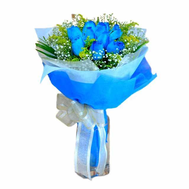 7 adet mavi gül buketi  İstanbul Kadıköy çiçek , çiçekçi , çiçekçilik