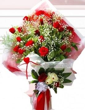 Kız isteme buketi çiçeği 41 güllü  İstanbul Kadıköy İnternetten çiçek siparişi