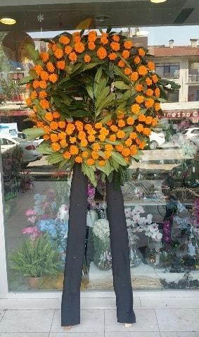 Cenaze çiçeği cenaze çelengi çiçek modeli  İstanbul Kadıköy çiçek gönderme